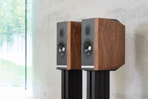 Kudos Audio Titan 505: Regallautsprecher mit SEAS-Treibern