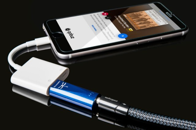 Audioquest Dragonfly Cobalt  mit Apple Camera Connection Kit am iPhone
