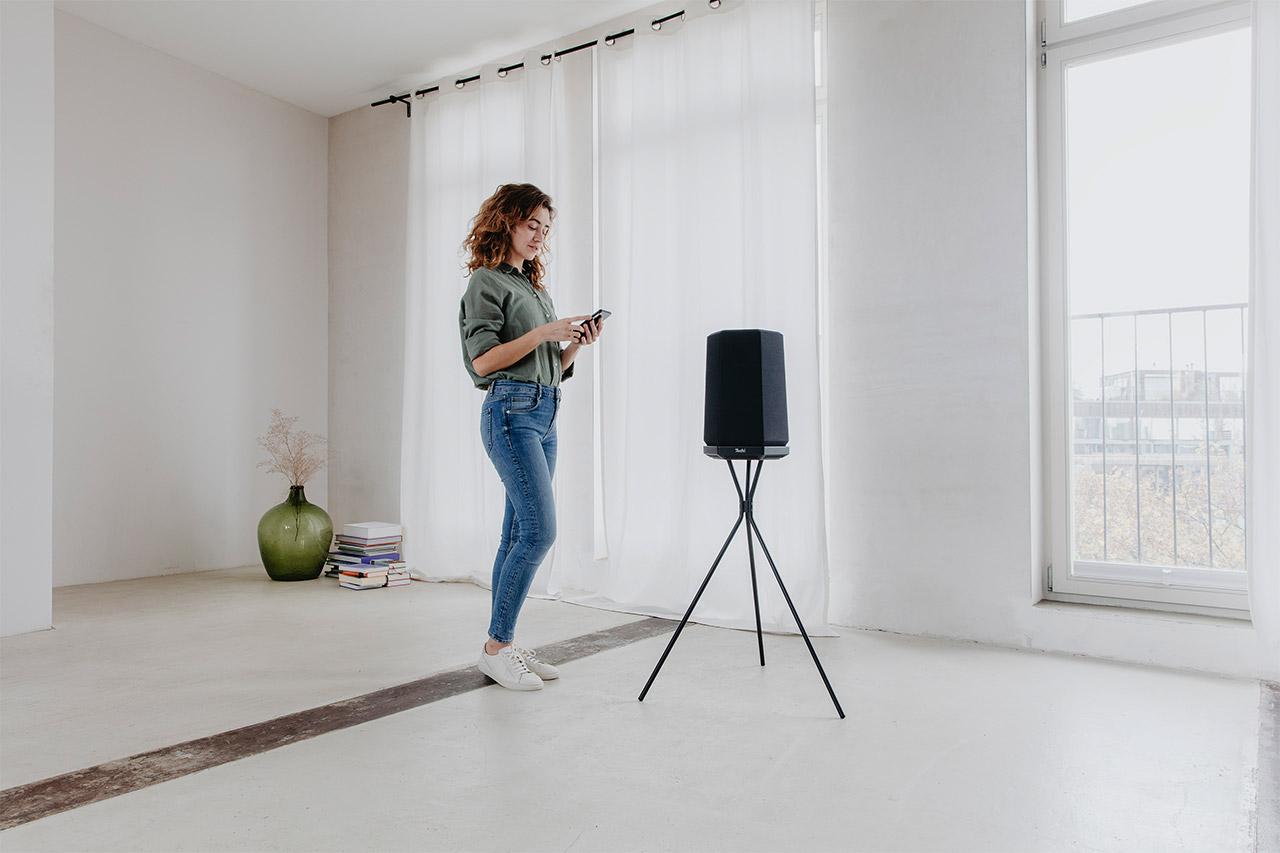 Teufel Holist M und Holist S: smarte WLAN-Speaker mit Alexa und Bluetooth