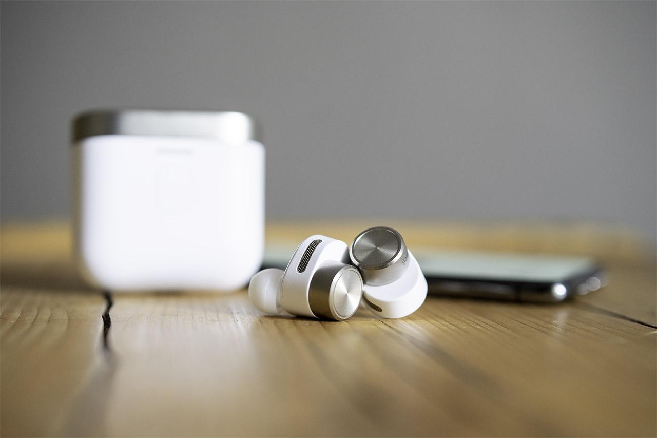 B&W PI7 Test: True-Wireless-In-Ears mit Bluetooth-Transmitter