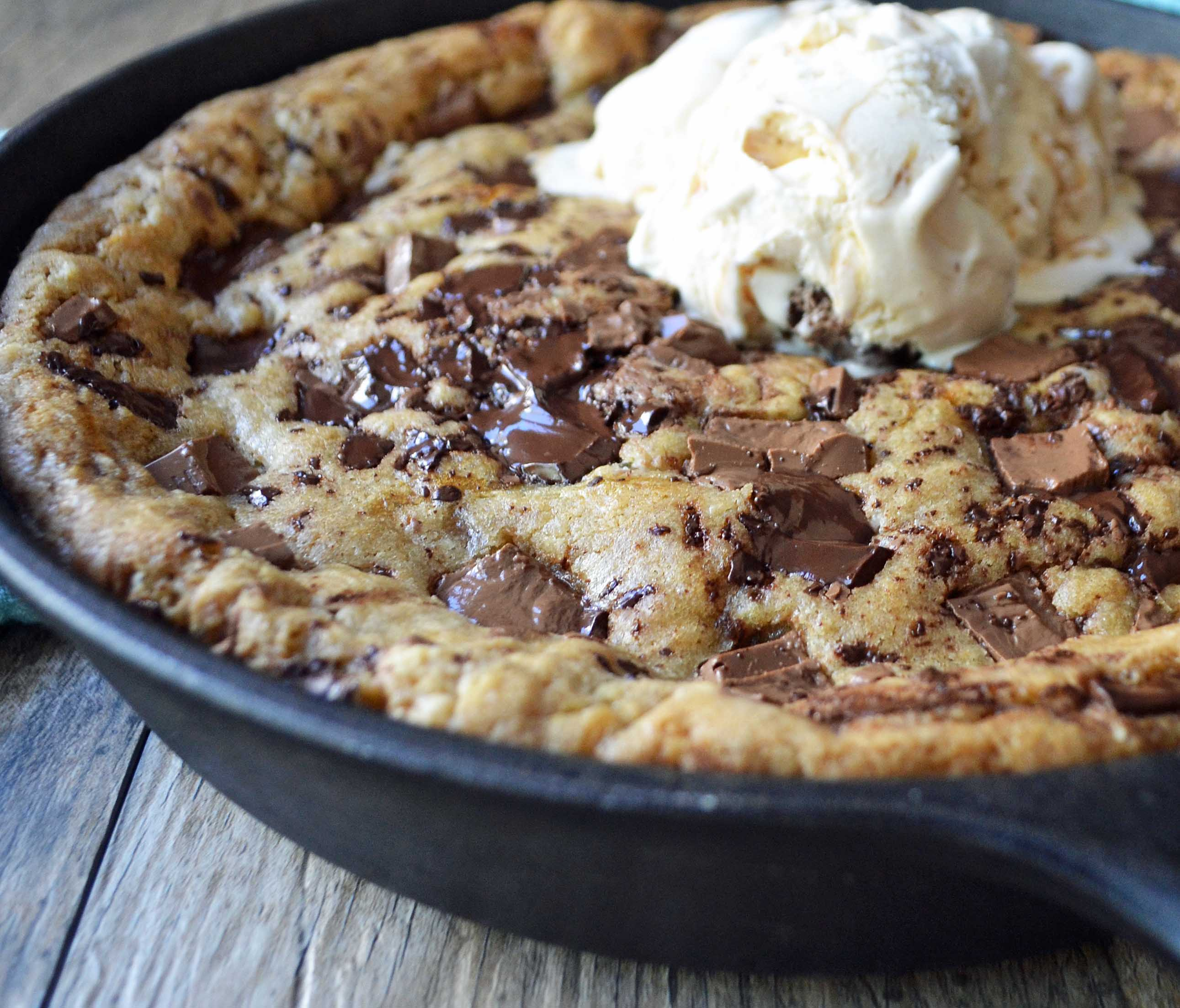 Lady's Chocolate Chip Skillet Cookie Pizookie by Modern Honey - www.modernhoney.com