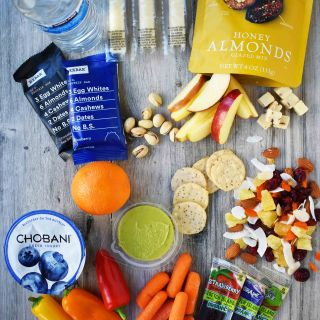 Healthy Travel Snacks. A list of healthy food for your next road trip. www.modernhoney.com