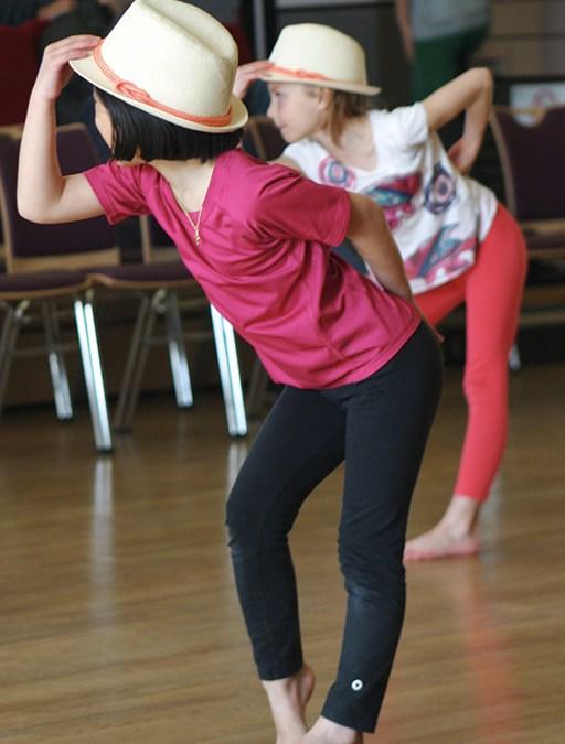 MJS, école de danse à Sautron (Nantes) collabore avec l'école de musique de Sautron pour que danseurs et musiciens s'accordent le temps de quelques danses