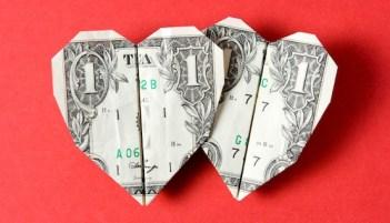 https://i2.wp.com/www.modernlovelongdistance.com/wp-content/uploads/2014/11/money-and-love.jpg?resize=351%2C201