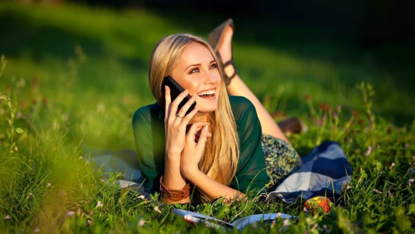 woman phone long distance relationship games