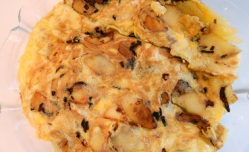 Tortilla Española – Egg and Potato Omelette {Recipe}