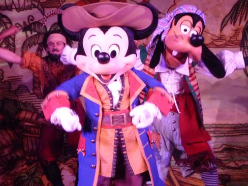 Pirate Mickey in Pirate Show Aboard the Disney Dream