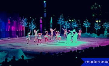 SeaWorld's Christmas Celebration Delivers Snow and Holiday Ambiance Even in Florida