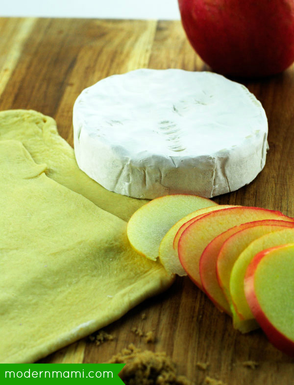 Crescent Wrapped Apple Brie Recipe, Ingredients Needed