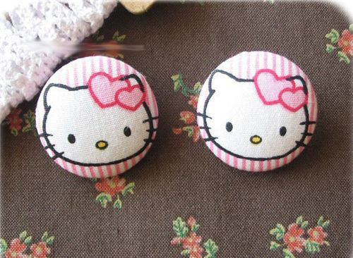 cute Hello Kitty buttons from Sanrio