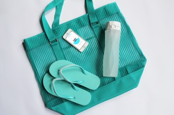 white-hidratespark-and-teal-purse-flip-flops-phone