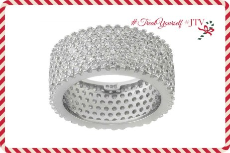 It's time to #TreatYourSelf, so enter to win this gorgeous ring that's part of their Bella Luce collection!