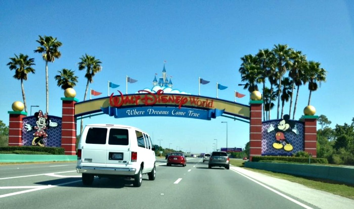 Helpful Tips For Planning a Walt Disney World Vacation With Toddlers #MagicalFamilyFirsts #ad