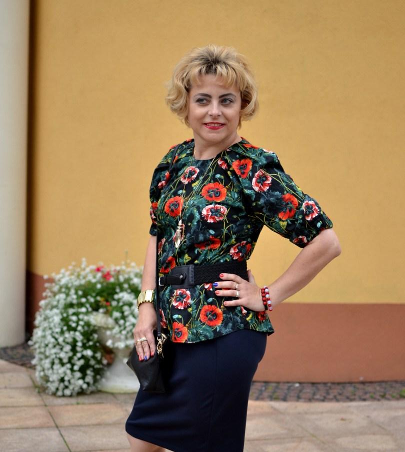 Romantyczna bluzka w kwiatowe wzory