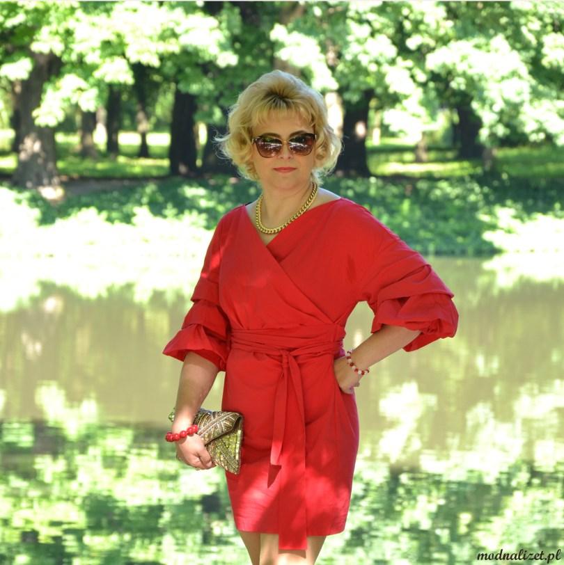 Seksowna malinowa sukienka Modnej Lizet