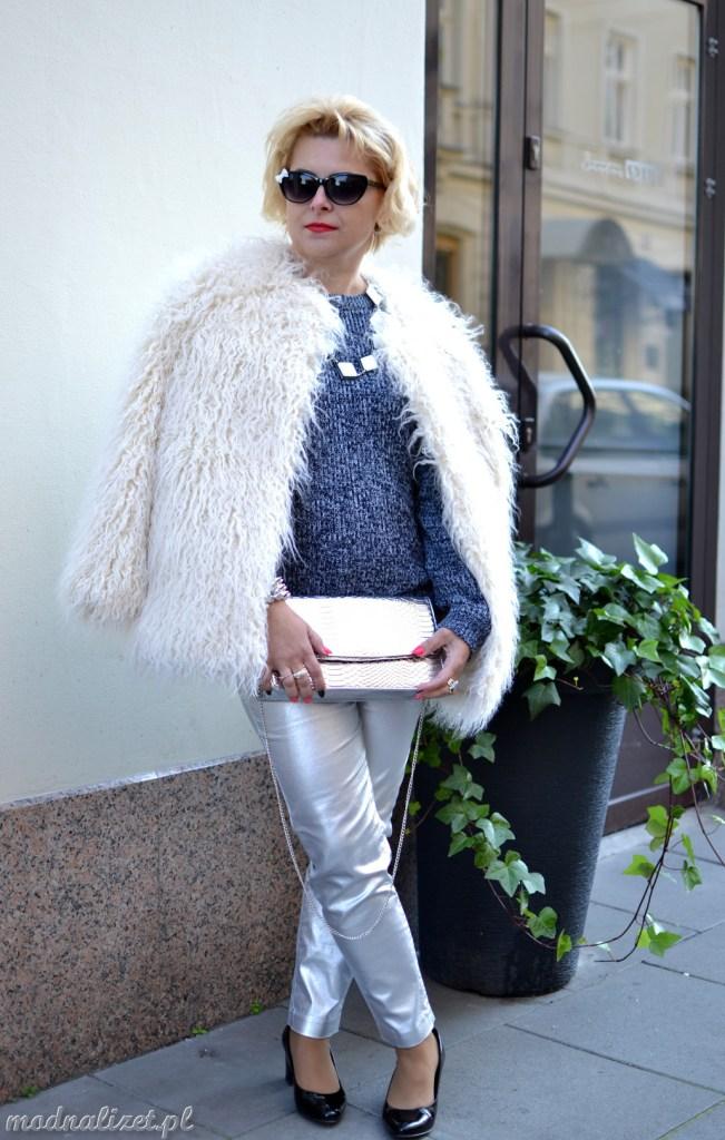 Srebrne spodnie stylizacja