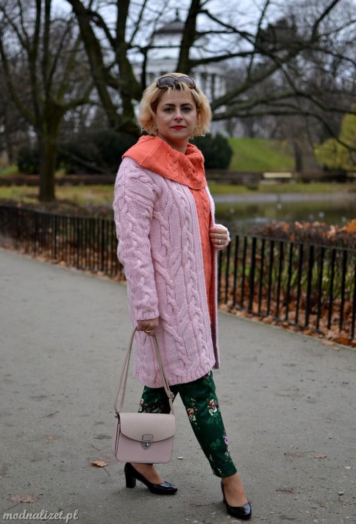 Słodkie kolory jesienny sweter