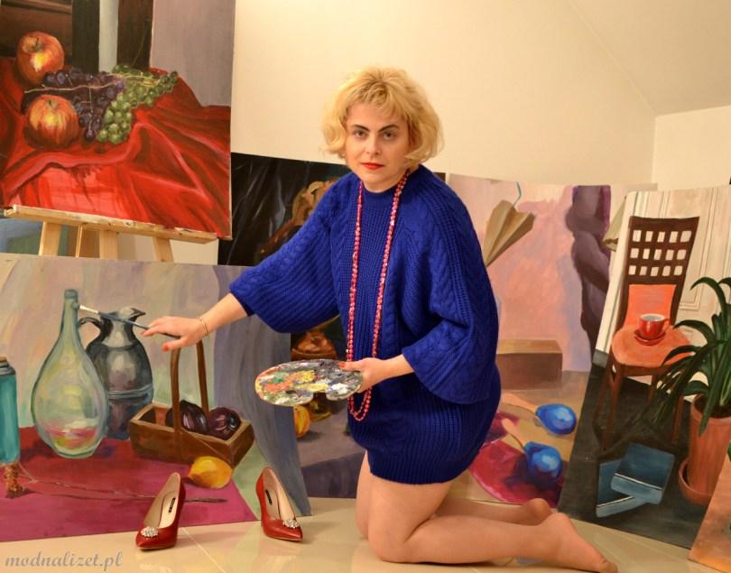 Modna Lizet i piękny sweter