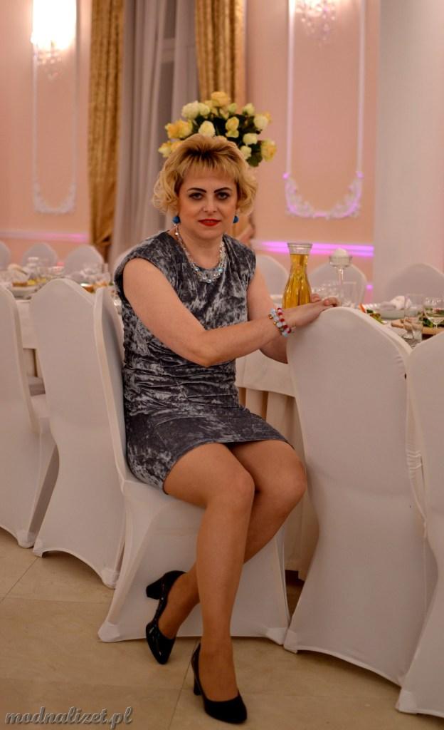 Srebrna wizytowa sukienka