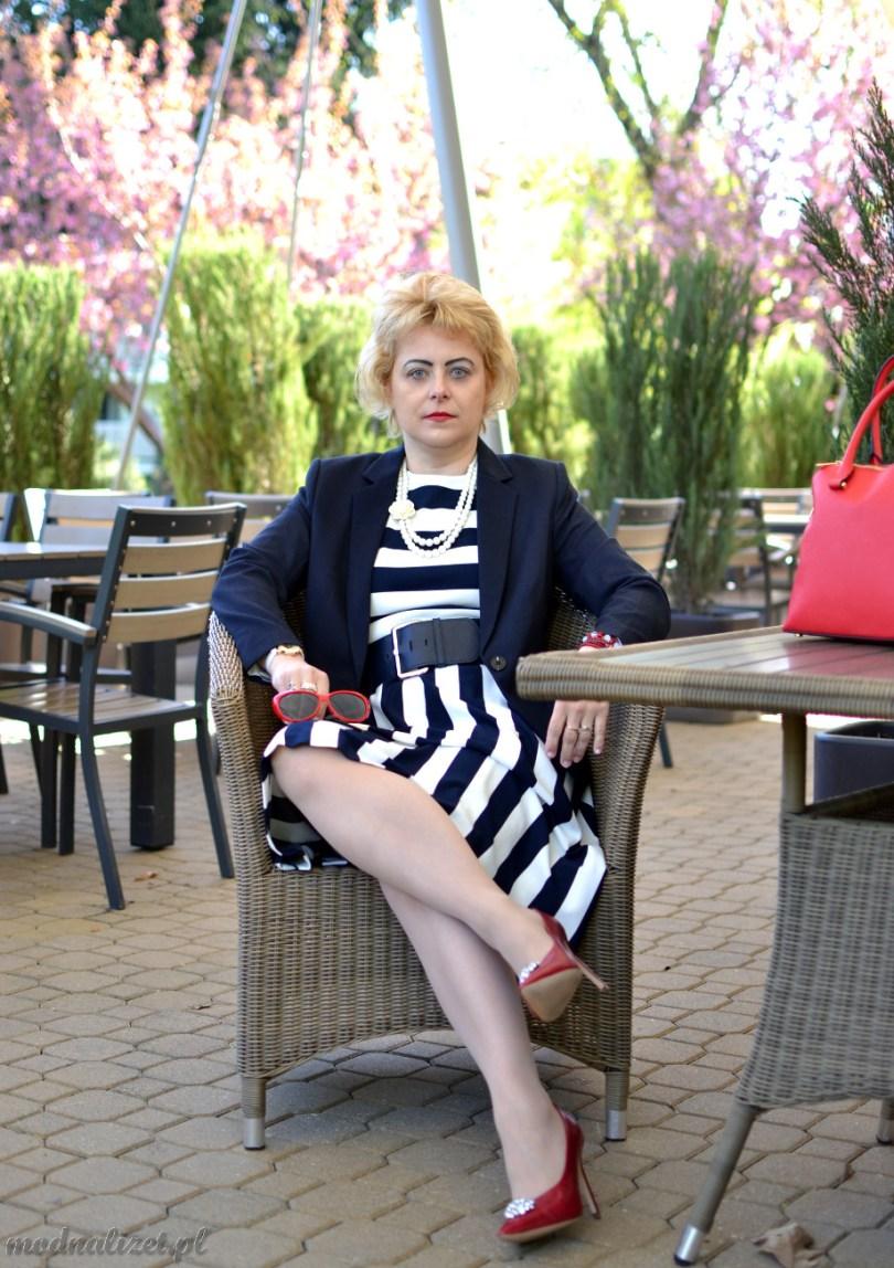 Modna Lizet i marynarski styl