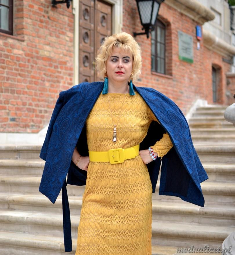 Koronkowa sukienka z marynarką