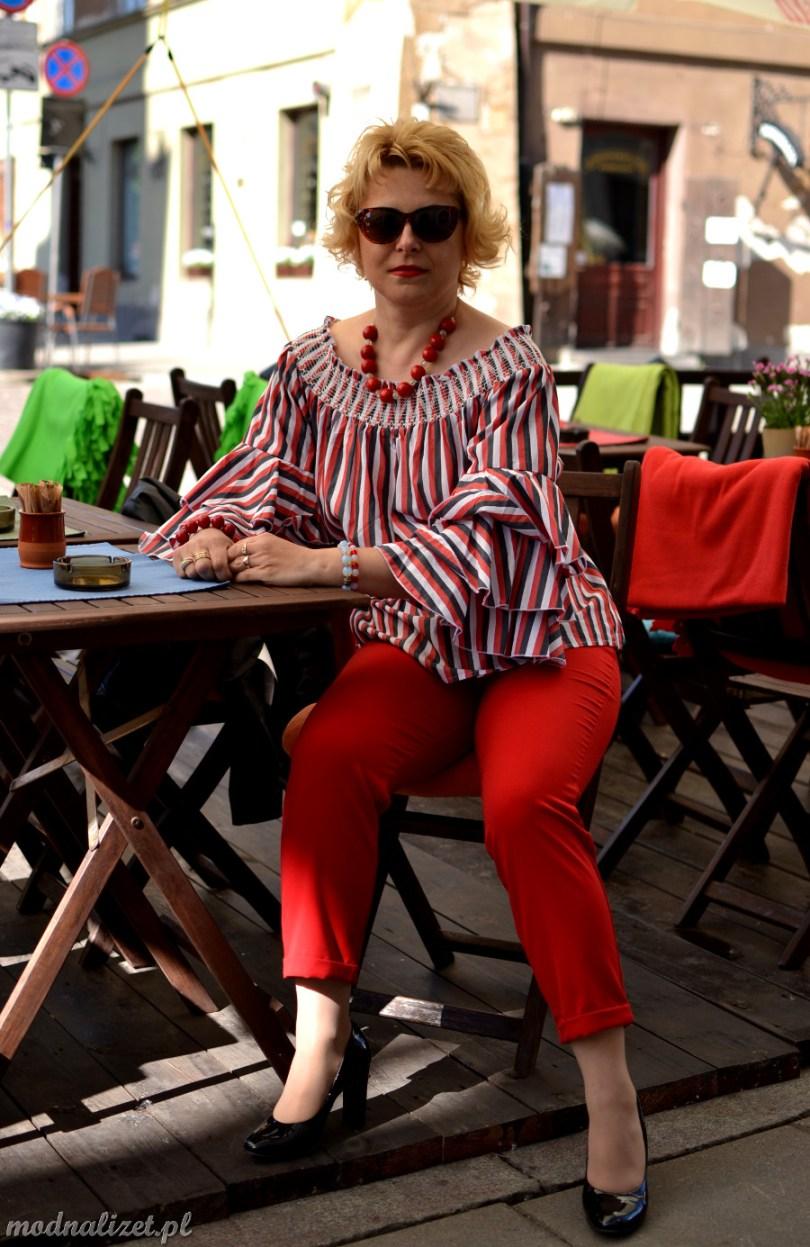 Czerwone spodnie z ramoneską