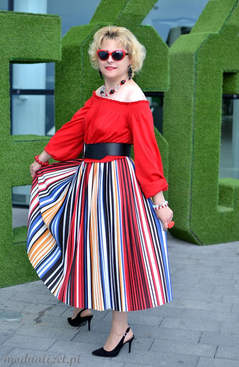 Wielobarwna kolorowa spódnica