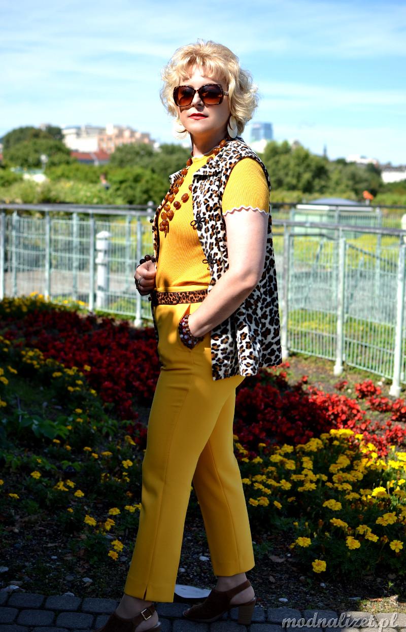 Żółta stylizacja