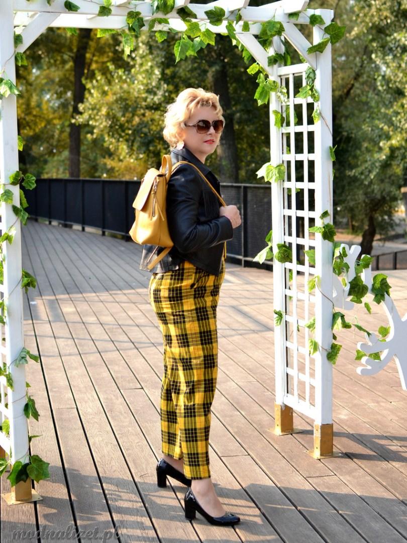 Szerokie spodnie w żółto-czarną kratkę