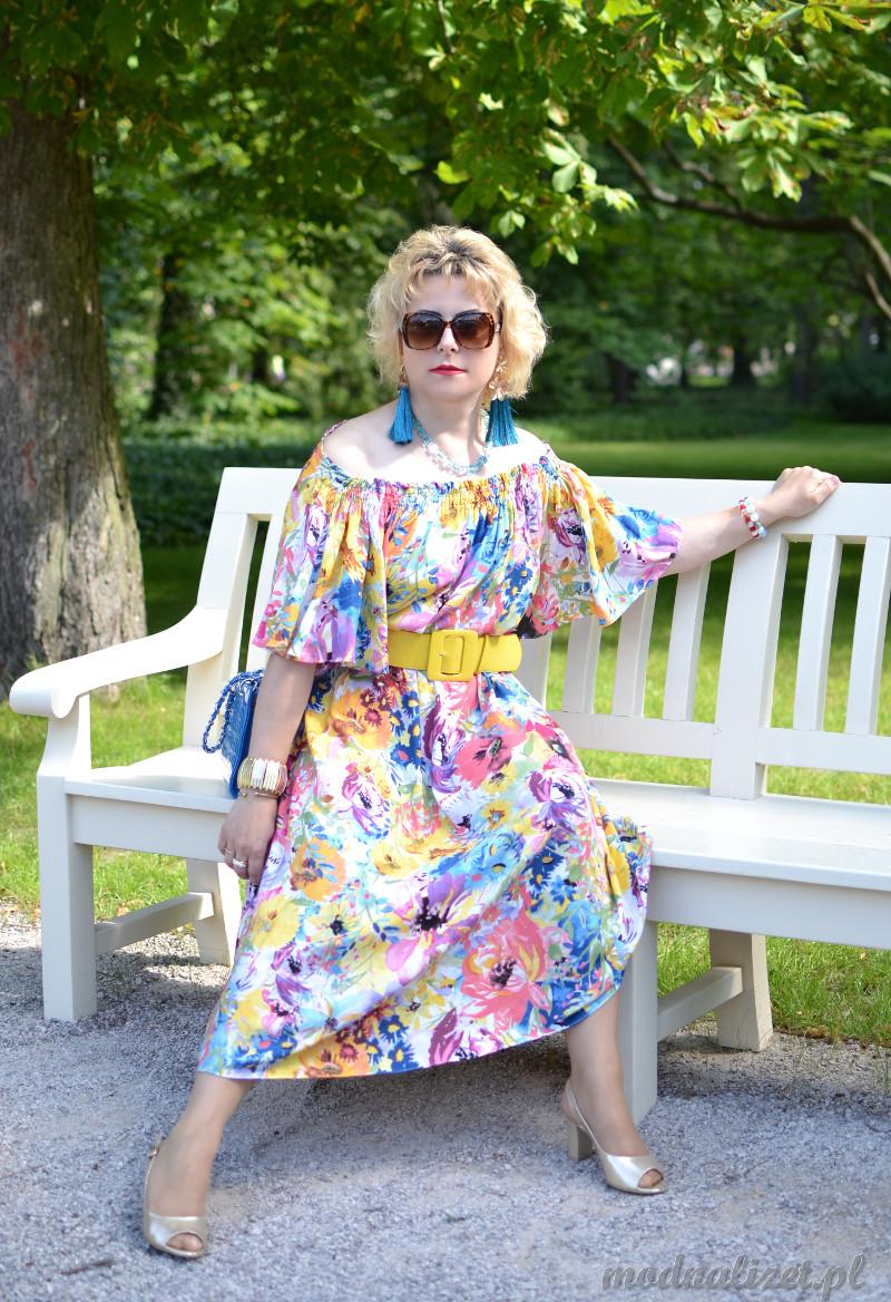 Sukienka w kolory lata
