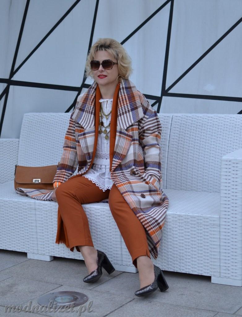 Płaszcz Reserved w kratkę modna lizet