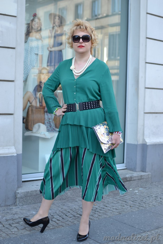 Zielona stylizacja modowa