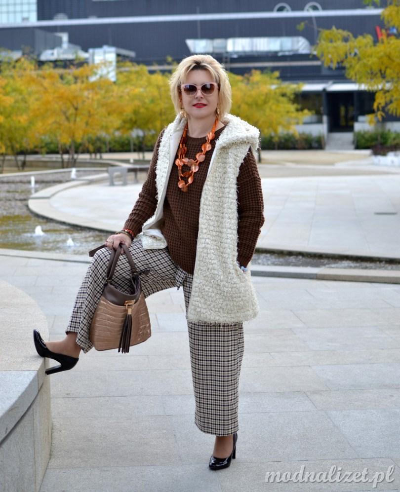 Piękny brązowy sweter modna lizet
