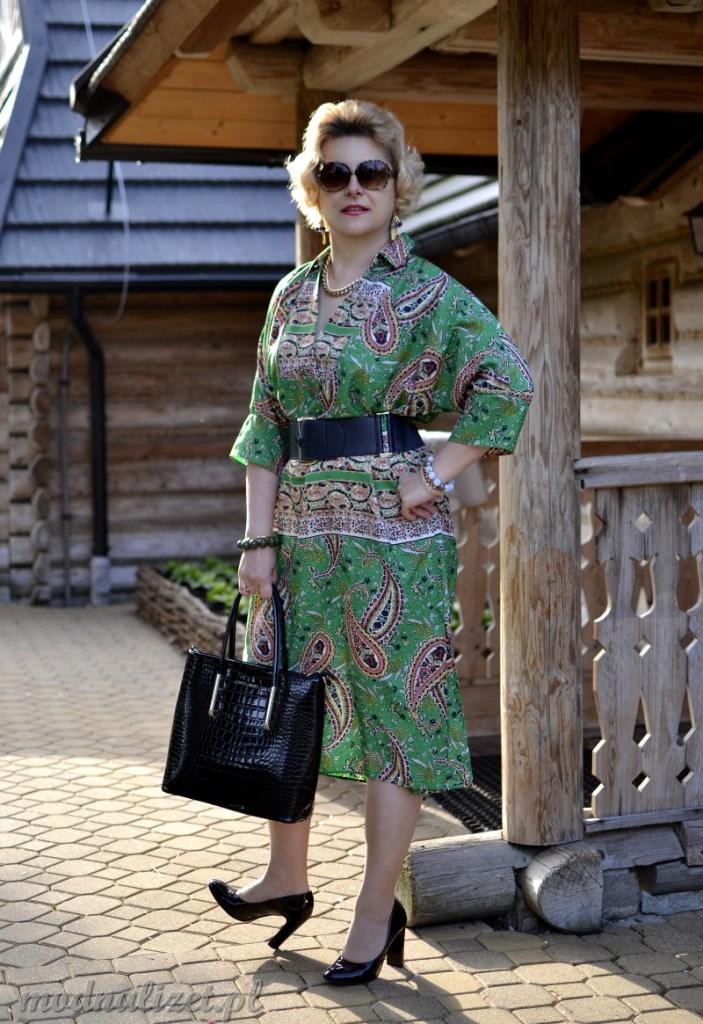 Sukienka klasyczna w kolorze zielonym