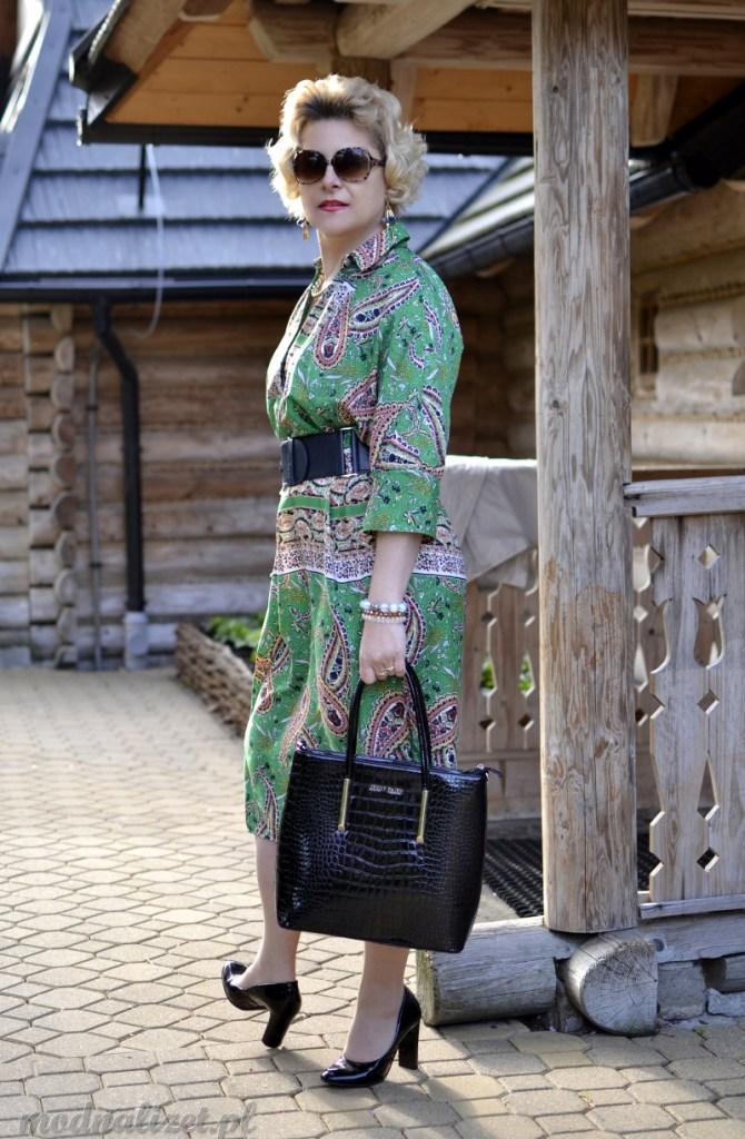 Elegancka zielona sukienka