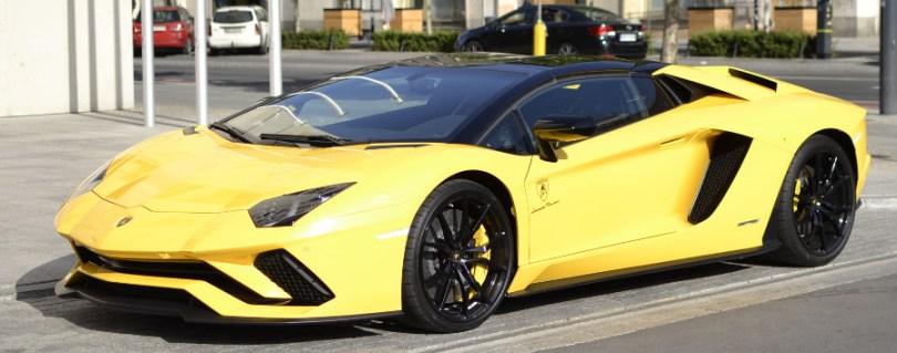 Modny żółty
