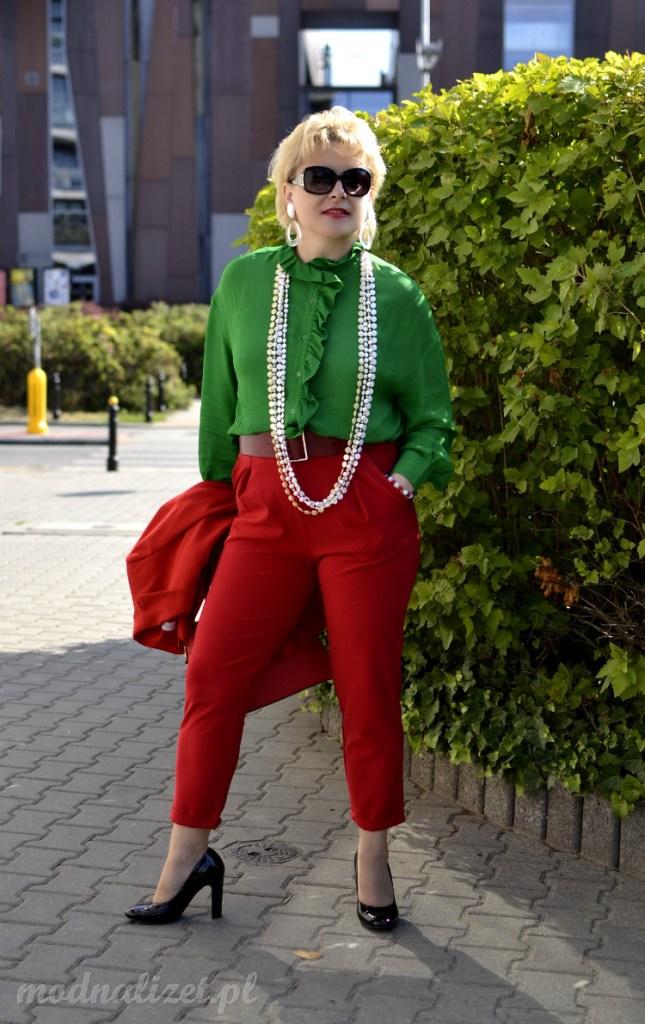 Zielona koszula z falbankami