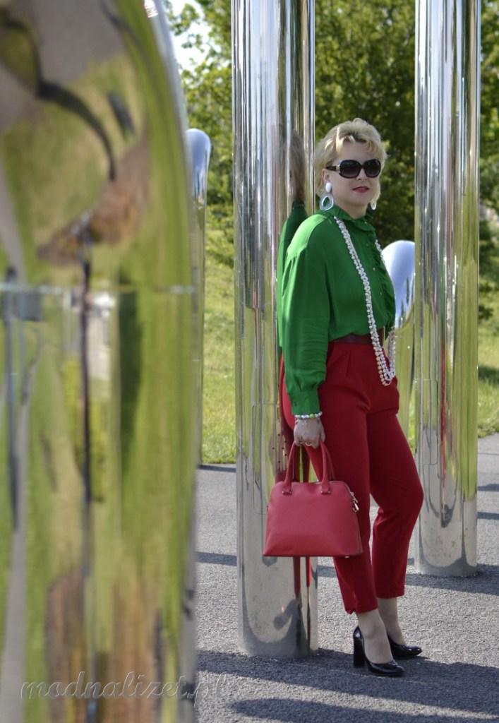 Czerwono-zielona stylizacja