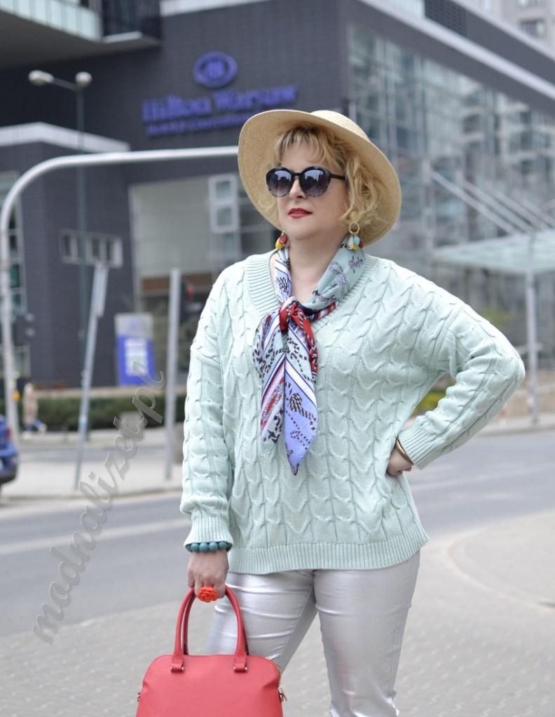Spodnie i sweter miętowy