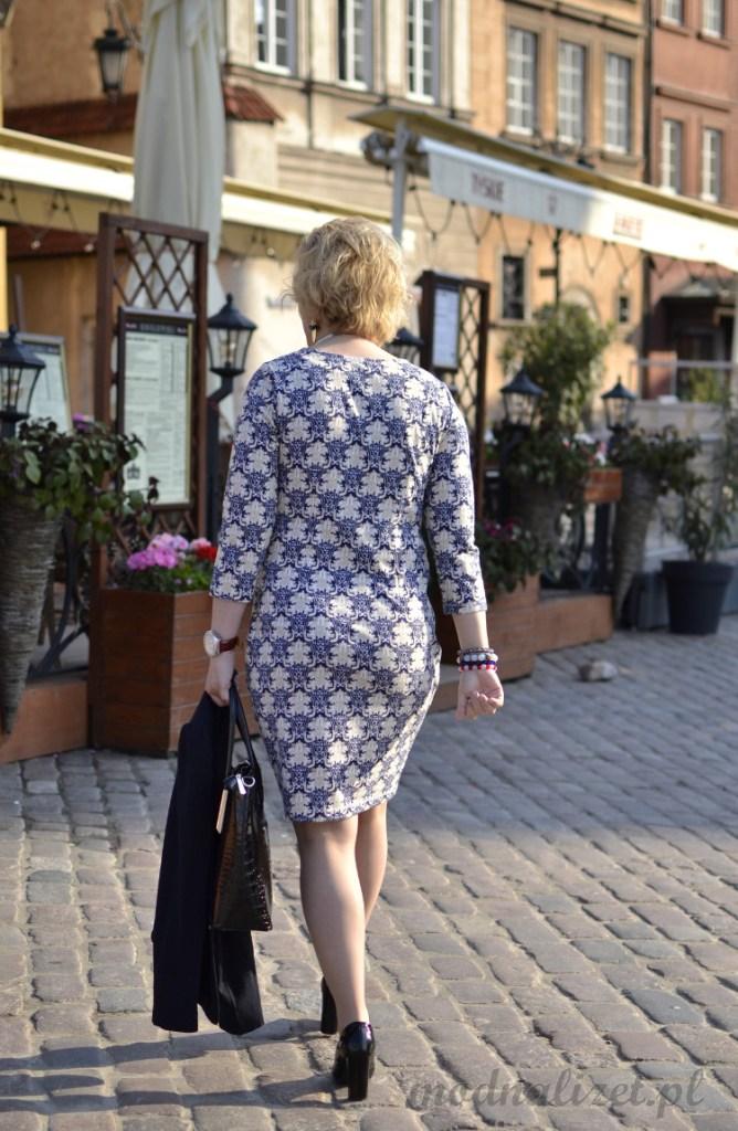 Stylowa sukienka do pracy