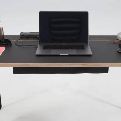 Modulos Conform Desk BLK - radni stol profinjenog dizajna i premium površinskog materijala