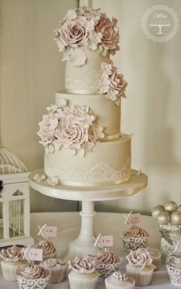 Beautiful wedding cake for a celebration  Popular wedding cake     Popular wedding cake designs 2014