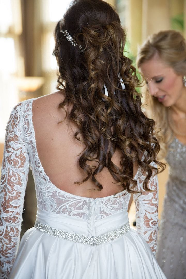 Classically Chic Indiana Wedding With Pretty Frills