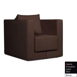 Sessel Mago I in Braun ist ein ganz besonders vielseitiges Sitzmöbel