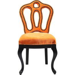 Stuhl: Extravaganter Stuhl Trendmöbel mit einem Faible für distinguierte Formen. Während Beine und Rückenlehne eine edle Kontenance wahren