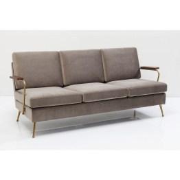Ein Sahnehäubchen für den Sitzbereich: Ein Sessel als Solist gibt der Couch-Ecke erst den richtigen Stil-Twist. Erst recht