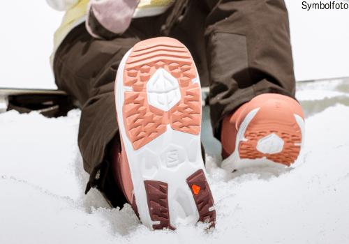 Jugend Snowboard ausrüstung online buchen mogasi