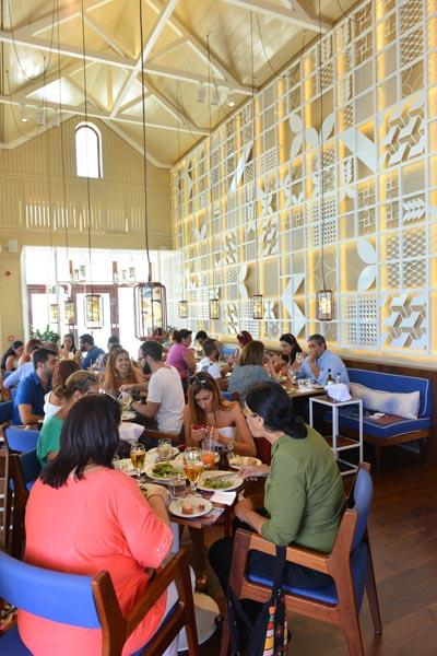 Απολαυτικό Γεύμα στο ατμοσφαιρικό περιβάλλον του Mediterraneo