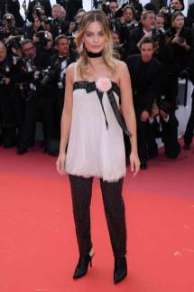 Margot Robbie in Chanel Haute Couture 2