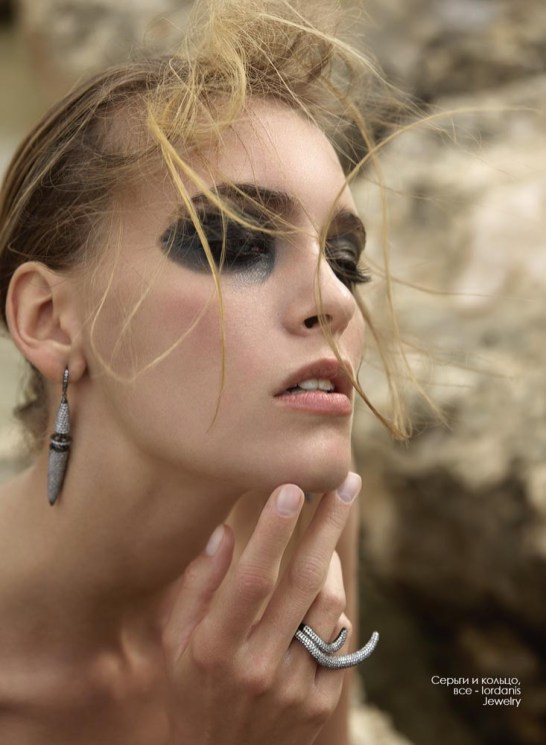 Earrings and ring, all - Iordanis Jewelry